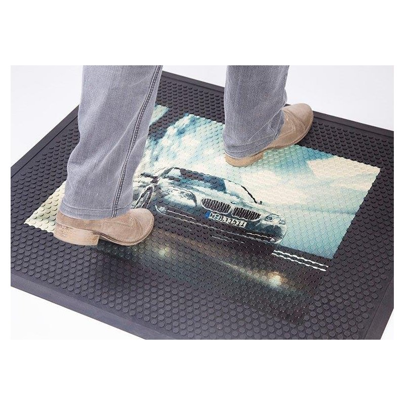 Rubber mat with Superscrape Impressions logo